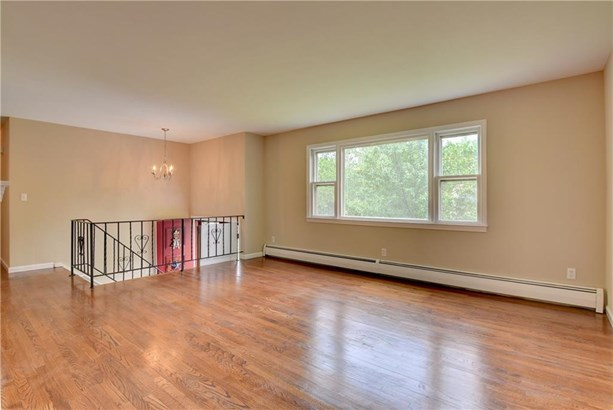 71 Oxbow Lane, West Haven, CT - USA (photo 4)