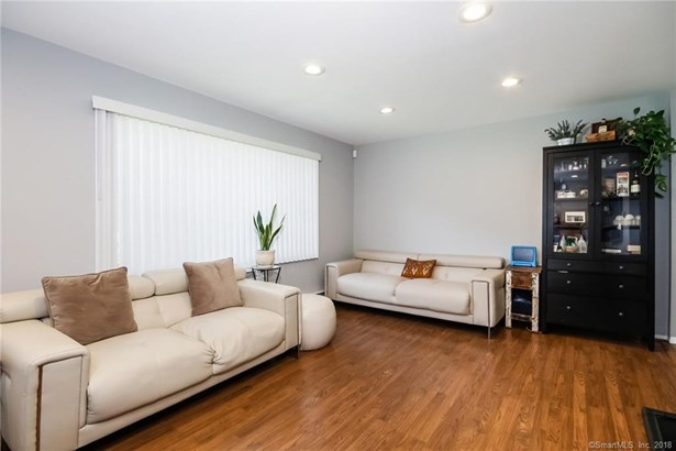63 Maple Tree Avenue A, Stamford, CT - USA (photo 4)