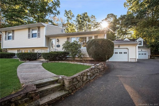 48 Surrey Drive, Wallingford, CT - USA (photo 1)