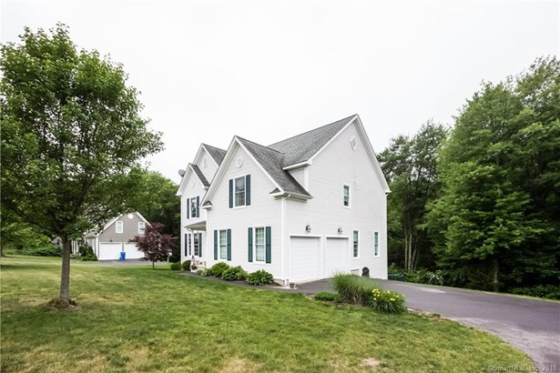 100 Tufts Drive, Manchester, CT - USA (photo 3)
