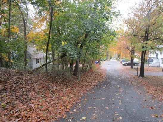 363 Woodlawn Avenue Extension, Bridgeport, CT - USA (photo 5)
