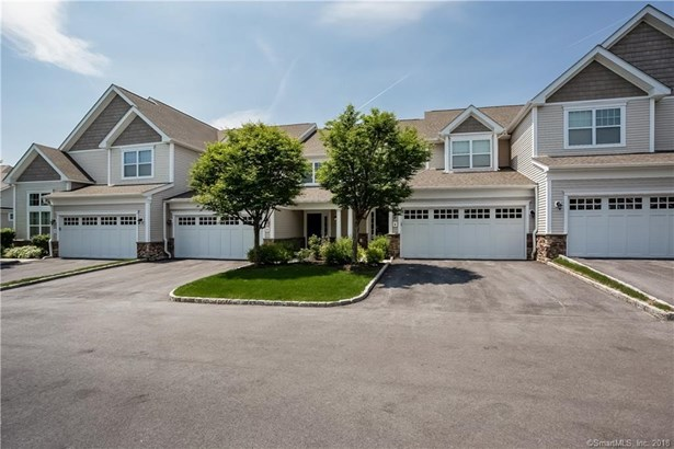 4 Wildwood Circle 4, Bethel, CT - USA (photo 1)