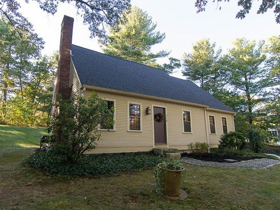 372 Winter St, Walpole, MA - USA (photo 1)
