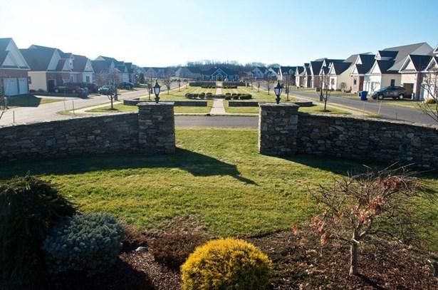 75 Windermere Village Road 72, Ellington, CT - USA (photo 3)