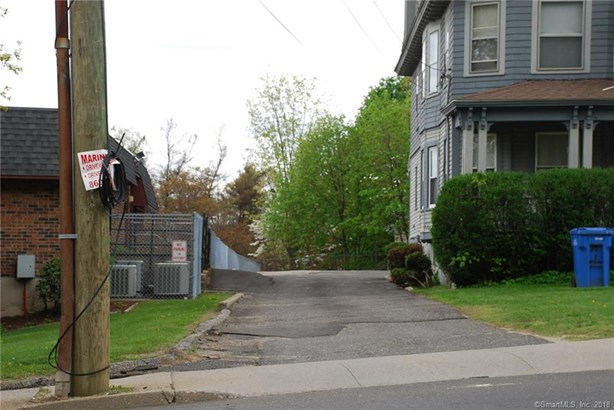 25 Robbins Street, Waterbury, CT - USA (photo 3)