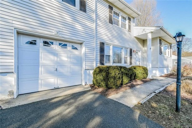 8 Clearbrook Road, Danbury, CT - USA (photo 4)