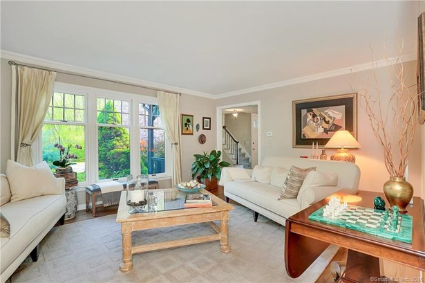 6 Whitefield Drive, Trumbull, CT - USA (photo 3)