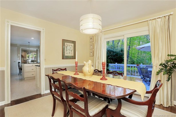 6 Whitefield Drive, Trumbull, CT - USA (photo 5)