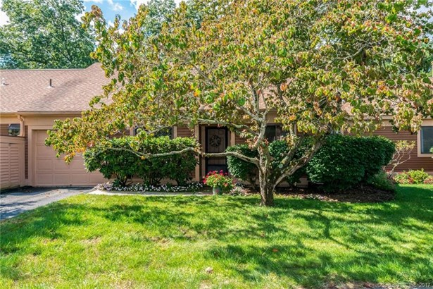 14 Catalpa Court 14, Avon, CT - USA (photo 1)