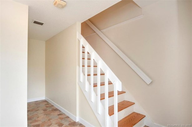 39 Old Mill Court 39, Simsbury, CT - USA (photo 5)