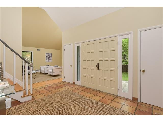 7 Woodland Road, Mount Kisco, NY - USA (photo 2)