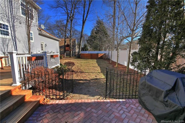 12 Elmwood Avenue, Trumbull, CT - USA (photo 5)