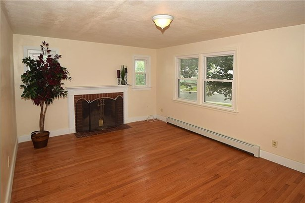 23 Englewood Drive, Manchester, CT - USA (photo 2)