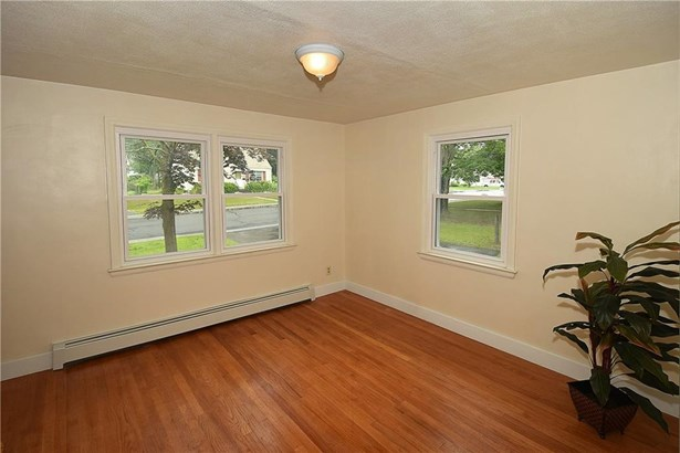 23 Englewood Drive, Manchester, CT - USA (photo 5)