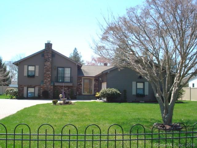 12 Maple Court, Waterford, CT - USA (photo 1)