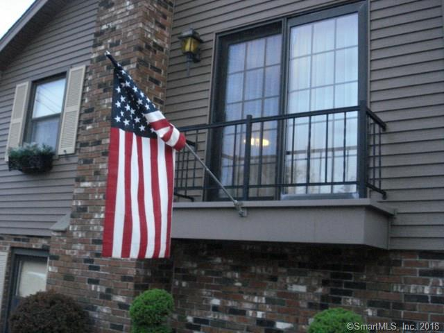 12 Maple Court, Waterford, CT - USA (photo 4)