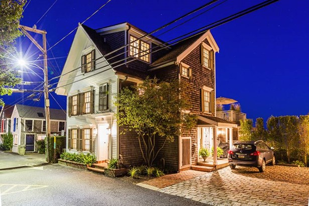 73 Commercial Street, Provincetown, MA - USA (photo 1)
