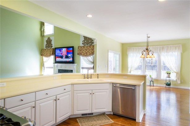 412 Mulligan Drive, Oxford, CT - USA (photo 5)