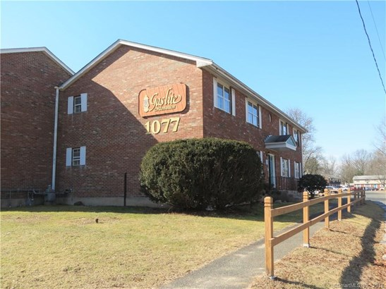 1077 Blue Hills Avenue H, Bloomfield, CT - USA (photo 1)