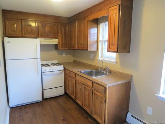 1077 Blue Hills Avenue H, Bloomfield, CT - USA (photo 5)