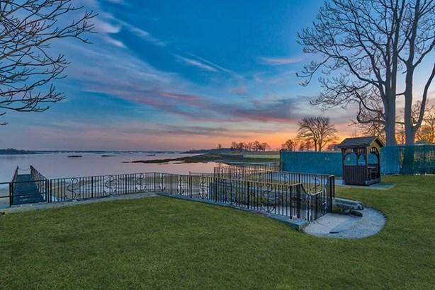 43 Kensington Oval, New Rochelle, NY - USA (photo 1)