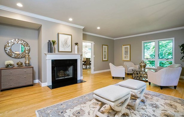 6 Indian Spring Rd, Natick, MA - USA (photo 4)