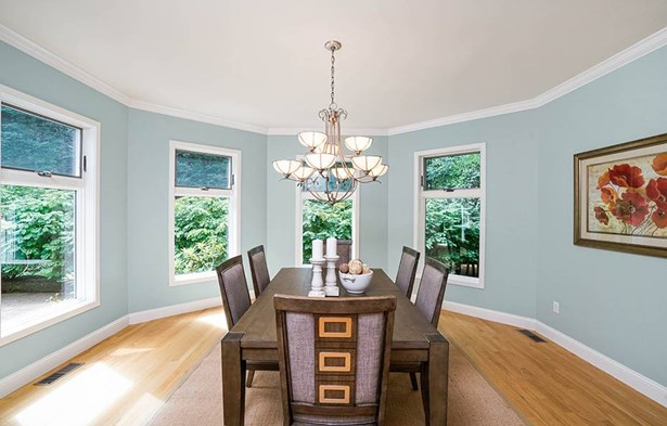 6 Indian Spring Rd, Natick, MA - USA (photo 5)