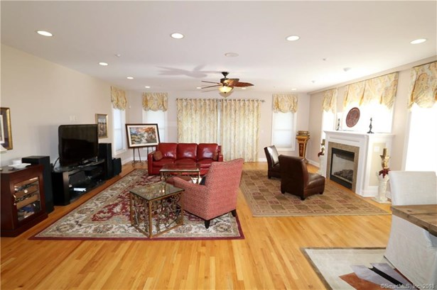 746 East Broadway, Milford, CT - USA (photo 4)