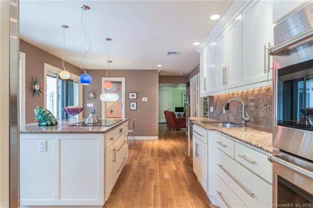 155 Margarite Road Extension, Middletown, CT - USA (photo 5)