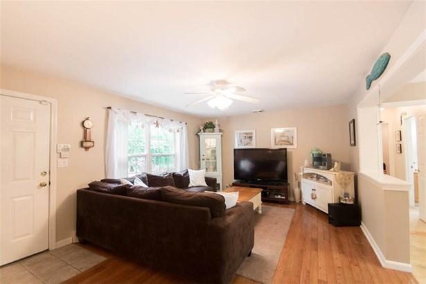 678 Bulgarmarsh Rd, Tiverton, RI - USA (photo 3)