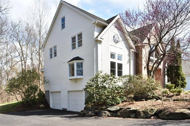 21 Mountaincrest Drive, Cheshire, CT - USA (photo 3)