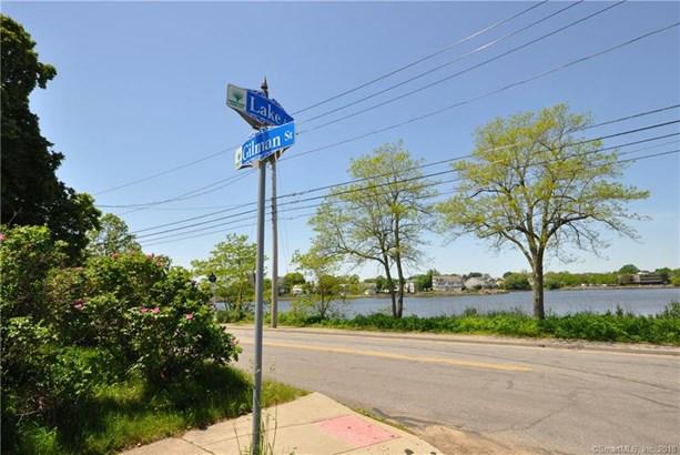 456 Lake Avenue, Bridgeport, CT - USA (photo 2)