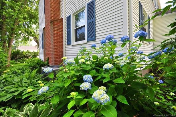70 Riggs Avenue, West Hartford, CT - USA (photo 4)