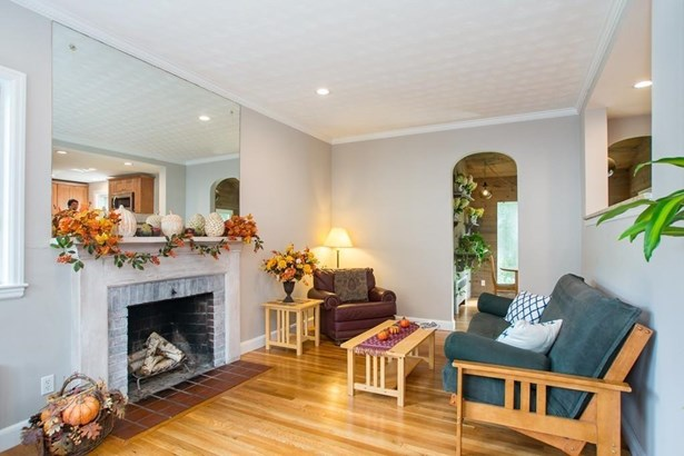 90 Ferncroft Rd, Milton, MA - USA (photo 5)