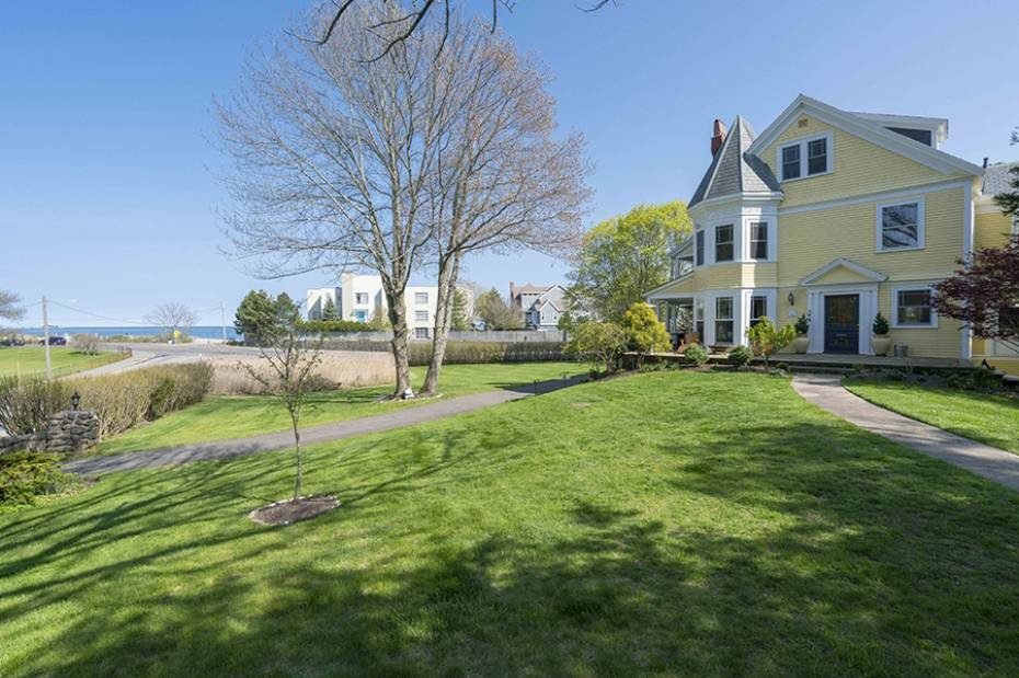 179 Beach Bluff Ave, Swampscott, MA - USA (photo 2)