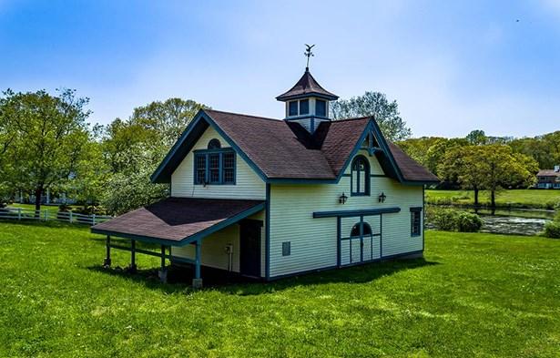 17 Totoket Road, Branford, CT - USA (photo 5)