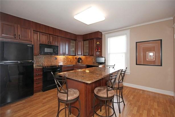 34 Bloomfield Avenue, Windsor, CT - USA (photo 4)