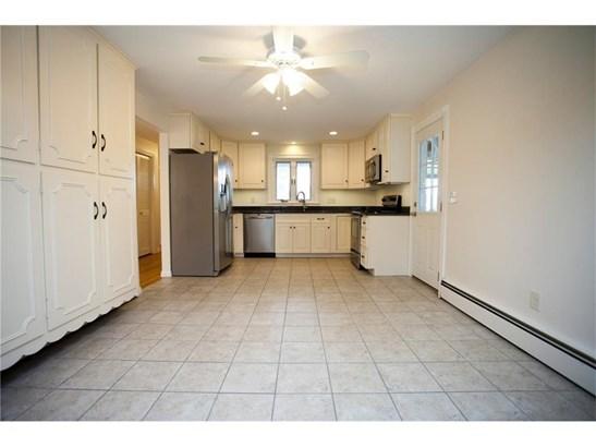36 Harvey Rd, Middletown, RI - USA (photo 5)