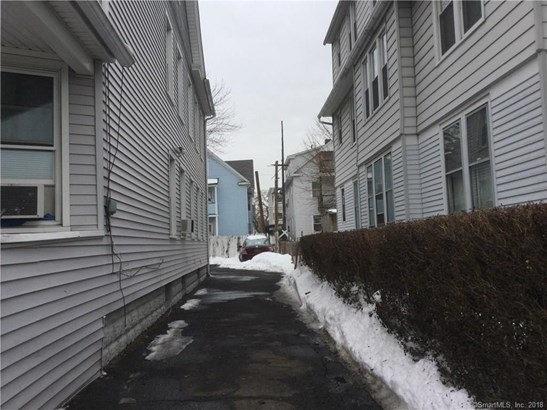 32-34 Jackson Avenue, Bridgeport, CT - USA (photo 3)