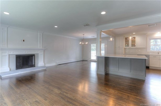 15 Cornwall Lane, Trumbull, CT - USA (photo 2)