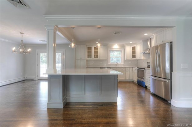 15 Cornwall Lane, Trumbull, CT - USA (photo 3)