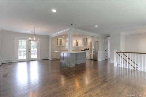 15 Cornwall Lane, Trumbull, CT - USA (photo 4)