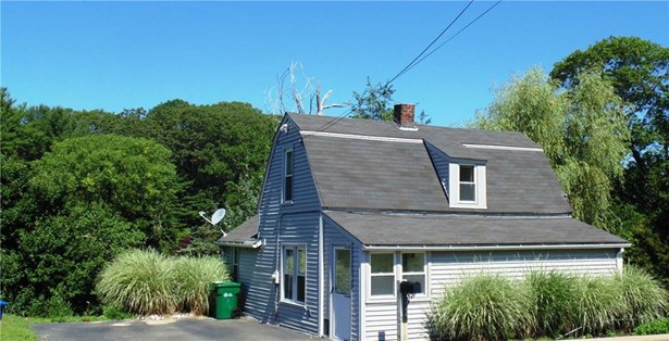 270 Niantic River Road, Waterford, CT - USA (photo 1)