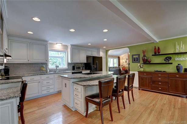 49 Lorraine Road, Manchester, CT - USA (photo 3)