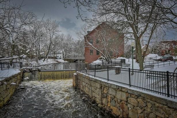 25 Pond St 208, Amesbury, MA - USA (photo 3)