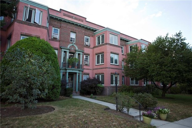 8 Blackstone/waylandayland Blvd, Unit#1, Providence, RI - USA (photo 1)