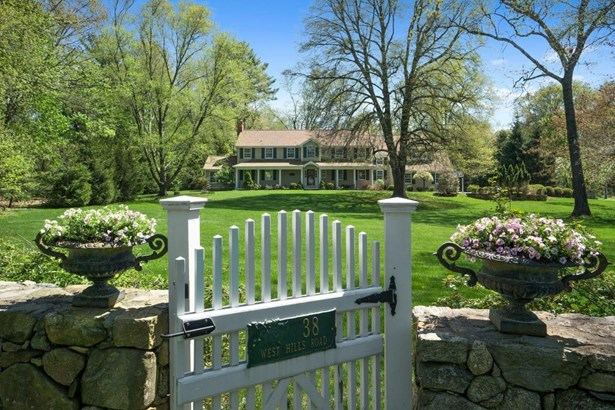 38 W Hills Road, New Canaan, CT - USA (photo 1)