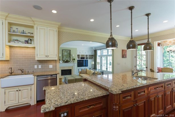176 Ocean Drive West, Stamford, CT - USA (photo 5)