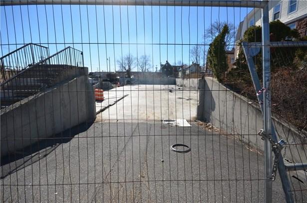215 Charles Street, Bridgeport, CT - USA (photo 3)