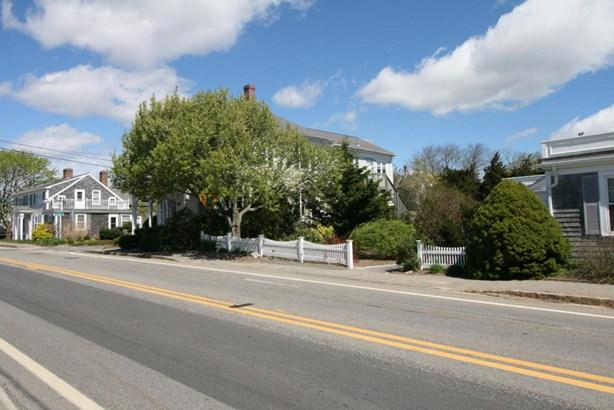 1368 Bridge Street, Yarmouth, MA - USA (photo 5)